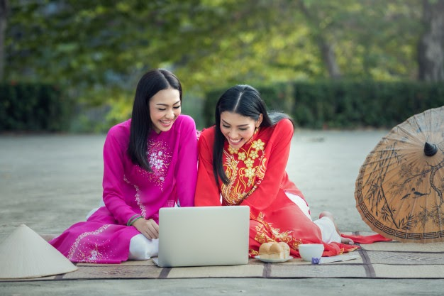 asian women traditional costume